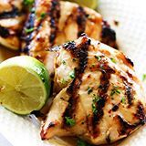 This Easy Honey Lime Grilled Chicken is sweet, citrusy and perfect for the warmer weather. It has a delicious marinade that is infused into each bite of the tender chicken and is topped with an additional honey-lime glaze. It is super simple to make and will become a new regular at your house! (Direct link in profile) #chefintraining #chefintrainingblog #huffposttaste #buzzfeedfood #dinner #chicken