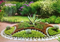 45 Stunning Garden Edging Design Ideas To Improve Your Home Front Yard - Garden edging improves the aesthetic value of your home by making the adjoining garden a more scenic place. They bring in a touch of nature in the har. Front Yard Garden Design, Front Garden Landscape, Flower Garden Design, Garden Edging, Front Yard Landscaping, Landscape Edging, Paver Edging, Flower Landscape, Landscape Designs