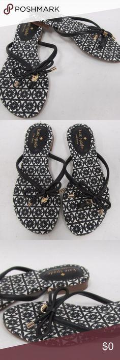 Kate Spade like new black leather sandal size 5 Beautiful sandals Kate spade black and white like new size 5 Kate Spade Shoes Sandals
