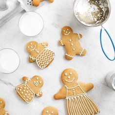 This gingerbread men recipe is perfect for making a whole gingerbread biscuit family, which is perfect as an edible Christmas gift or make a batch to share