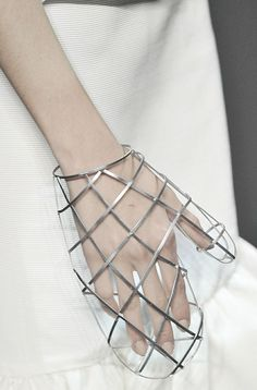 Transparent wireframe-grid mitten, Daughters of Gaia - Gaia, Gothic Cosplay, Fashion Art, Womens Fashion, Fashion Design, Fashion Trends, Wireframe, Caroline Reboux, Mode 3d