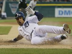 BASEBALL - Miguel Cabrera, des Detroit Tigers, en pleine action lors d'un match de baseball contre les Chicago White Sox, à Detroit, le 23 avril 2014. (AP Photo/Carlos Osorio)