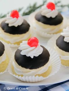 Food Cakes, Dessert Bars, Mini Cupcakes, Nutella, Cake Recipes, Biscuits, Cheesecake, Muffin, Food And Drink