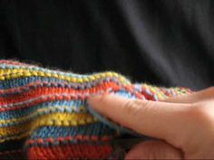 Knitting techniques - Learn a new knitting technique with filato.dk Do you want to learn a new knitting technique or are you looking for a specific one. Read this great lightweight article with many of the most commonly used techniques. Drops Design, Knitted Blankets, Diy Crochet, Hobbies And Crafts, Fingerless Gloves, Arm Warmers, Knitting, Pattern, Blog