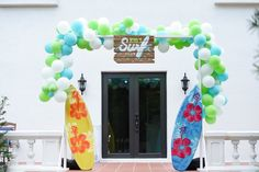 this California Surf Birthday Party at Kara's Party Ideas is a special party to you from me! Surfer Party, California Surf, Surfs Up, Party Themes, Party Ideas, Beach Party, Kara, Surfing, Reception