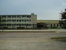 Worthing High School The schools serving Sunnyside proper include Young Elementary School, Attucks Middle School, and Worthing High School. Worthing is located in Sunnyside.Young Elementary opened as Sunny Side Elementary School in 1918; HISD renamed the school in June 1999 after Sunnyside residents petitioned for a renaming of the school. Young shares its campus with South Administrative Alternative Elementary and Drug-Free School.