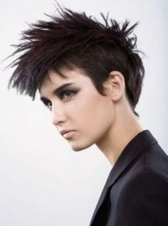 Here are some of the sexiest punk hair styles . Punk Hair Styles are pretty cool and crazy and for that it is not for everyone but are ver. Short Hair Mohawk, Mohawk Hairstyles For Women, Short Punk Hair, Girl Haircuts, Short Hair Styles, Girl Mohawk, Short Undercut, Hairstyles Haircuts, Punk Rock Hairstyles