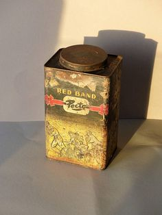 Vintage candy tin Dutch can decoratif display Red Band