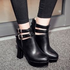 SHARE & Get it FREE | Fashionable Women's Ankle Boots With Platform and Double Buckle DesignFor Fashion Lovers only:80,000+ Items • New Arrivals Daily • Affordable Casual to Chic for Every Occasion Join Sammydress: Get YOUR $50 NOW!