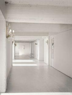 Furniture would just mess up the perfect. / The Maison des Champs Elysées?