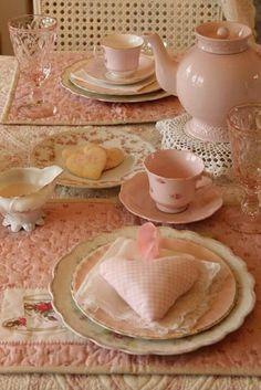 Tea set ピンク系ティーセット。テーブルコーディネイト♡