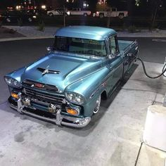 trucks chevy old Chevrolet Apache, Chevrolet Trucks, Gmc Suv, Chevrolet Chevelle, Gm Trucks, Cool Trucks, Lifted Trucks, Cadillac, Cars Vintage