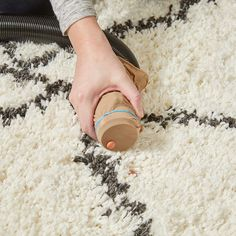 40 Handy Hints for Cleaning Every Nook and Cranny of Your House Amazing Life Hacks, Simple Life Hacks, Useful Life Hacks, Diy Home Repair, Nook And Cranny, Do It Yourself Home, Home Hacks, Washing Clothes, Good To Know
