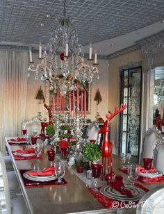 christmas table setting in red and silver - Red And Silver Christmas Table Decorations