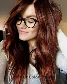 13 Gorgeous Fall Hair Colors to Try : The Best Hair Color Trends for Fall - Cabello Rubio Dark Auburn Hair Color, Red Ombre Hair, Brown Blonde Hair, Red Hair Color, Hair Color Balayage, Cool Hair Color, Hair Highlights, Auburn Highlights, Auburn Red