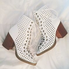 Aly Silverio with the #ShoeCult Bowie Booties || Get the booties: http://www.nastygal.com/sale/shoe-cult-bowie-bootie?utm_source=pinterest&utm_medium=smm&utm_term=ngdib&utm_content=the_cult&utm_campaign=pinterest_nastygal