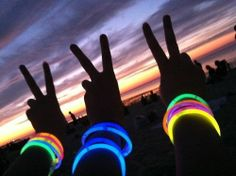Purchase 200 Pcs Glow Sticks Bracelets Necklaces Fluorescent Neon Party Hot from Shenzhen Wanweile Network Tech on OpenSky. Best Friend Pictures, Bff Pictures, Friend Photos, Summer Of Love, Summer Fun, Summer Time, Pink Summer, Summer Bucket, Summer Glow