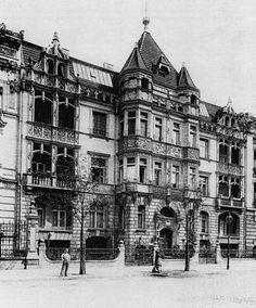Berlin um 1900 Hansaviertel Brueckenallee 4 Haus mit dem Bergfried