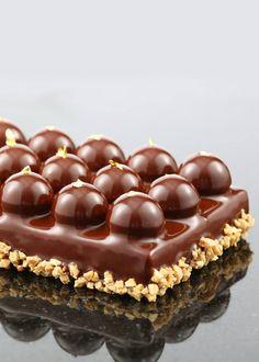 """Duplo"" Choco-noisette - Jérôme Chaucesse chocolate baubles layered dessert"