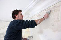 A massa corrida corrige imperfeições de tetos e paredes, repaginando o ambiente. No entanto, para que essas superfícies ficam bem lisas,é fundamental sabe