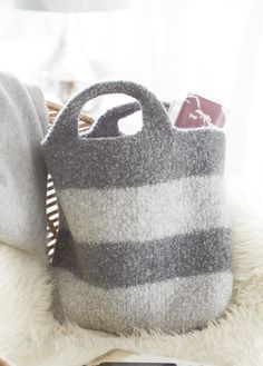 gestreifte filztasche gratisanleitung wash filz it pinterest filztaschen streifen und. Black Bedroom Furniture Sets. Home Design Ideas
