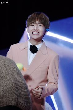 Tae's iconic rectangle smile