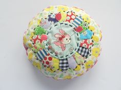 Molly Flanders: Pincushion With link to tutorial