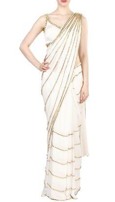 Buy online Sarees - A paradise blanco from Papa Don't Preach Beautiful Saree, Beautiful Dresses, Indian Wedding Wear, Modern Saree, Lehnga Dress, Saree Trends, Stylish Sarees, Saree Look, Elegant Saree