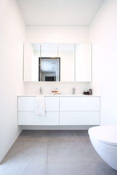 Ihana valkoinen kylpyhuone! ✨ #aina #ainakeittiöt #kylpyhuone #bathroom #white #inspiration #suomalainen
