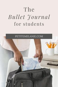 Bullet Journaling for students, Part 1, 2 and 3. Tips to help students to be more organized during the school year. The complete guide to help students be more organized with a Bullet Journal during the school year. Class schedule, weekly schedule, homework, group projects, budget, finances, meal prep. Weekly Schedule, Class Schedule, Group Projects, Bullet Journal School, High School Students, Homework, Meal Prep, Journaling, Budget