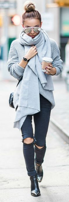 Cool 151 Sweaters Outfit Idea You Should Try This Year | Fashion https://dressfitme.com/sweaters-outfit-idea-you-should-try-this-year/