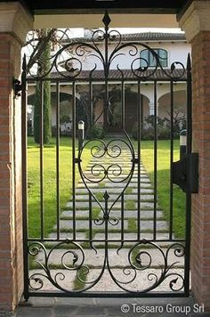 Wrought Iron Gate Designs, Wrought Iron Garden Gates, Porch Grill, Iron Fence Gate, Fence Gate Design, Grill Door Design, Unique Doors, Iron Art, Entrance Gates