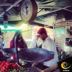 Amigos del mercado alternativo, con productos naturales.#tiempo #ucoatl #familia #vive_mexico #comida
