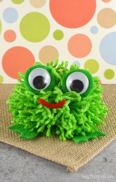 Pom Pom Frog - Pom Pom Crafts - Easy Peasy and Fun