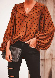 V-Neck Lantern Sleeve Printed Blouse– ebuytide Trend Fashion, Fashion Outfits, Ootd Fashion, V Neck Blouse, V Neck Tops, Shirt Blouses, Blouse Designs, Printed Shirts, Printed Blouse