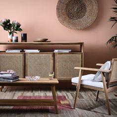 ANJA & friends | Barnet spark cushion, Wall display @marmosetfound , Ceramics @studio_twocan, Rug @halcyonlake | #GlobeWest #AnjaCollection #furniture #DistinctiveLiving