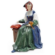 Catherine of Aragon HN3233 - Royal Doulton Figurine - Six Wives of Henry VIII Collection
