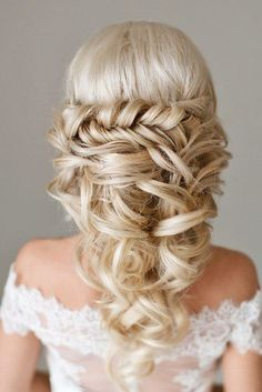24 Greek Wedding Hairstyles For The Divine Brides ❤ See more: http://www.weddingforward.com/greek-wedding-hairstyles/ #weddings #hairstyles