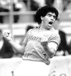Diego Armando, Sport, Soccer Players, Football, Soccer, Legends, I Love, Sports, Pictures