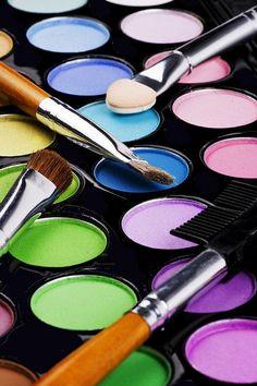 MAC MAKEUP  That's not mac makeup....
