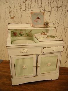 Miniature kitchen cupboard with sink (image) Moss Way Miniatures