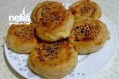Patatesli (Unlu) Gül Böreği Tarifi nasıl yapılır? 1.198 kişinin defterindeki bu tarifin resimli anlatımı ve deneyenlerin fotoğrafları burada. Yazar: Leyl-i Huzur