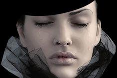 Há instantes em que a saudade aprisiona o olhar. A alma pede pra adormecer só pra sonhar. (Sirlei L. Passolongo)
