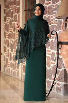 Sumay – Alev Evening Dress – Emerald – Best Of Likes Share Abaya Fashion, Muslim Fashion, Modest Fashion, Fashion Dresses, Fashion Cape, Hijab Evening Dress, Hijab Dress Party, Evening Dresses, Estilo Abaya