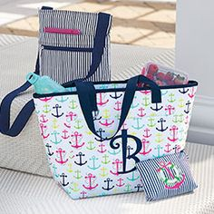 Whether you're looking for style, organization, the perfect giftable item - or a little bit of everything - explore Thirty-One's trendy and affordable purses, totes, jewelry, and accessories.