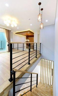 modern Corridor, hallway & stairs by 코원하우스
