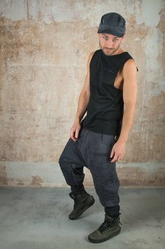 Ninja Pants and Harem Pants Unisex Cyberpunk Post Apocalyptic Clothing Men and Drop Crotch Pants Samurai The Rib Low Crouch Pant unites apocalyptic Design with functionality. The rib stitching brings a tougher look. The stocking extends this look and is also super comfy and handy at the same time. Street Fashion, Men Fashion, Post Apocalyptic Clothing, Pixie Outfit, Dystopian Fashion, Cyberpunk Clothes, Plus Size Kimono, Drop Crotch Pants, Rave Wear