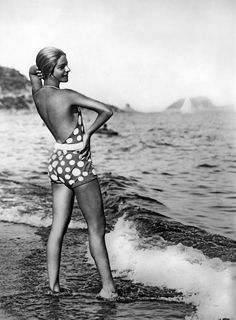 Alassio, Italy: c. Alice Nikitina, well known Russian ballet dancer, teacher, and opera singer wearing one of her striking bathing suits at the beach in Italy. Some called it a 'bizarre bathing suit'.©Underwood Archives Fashion Through The Decades, Bathing Costumes, Russian Ballet, Thing 1, Opera Singers, Swimming Costume, Bathing Beauties, Ballet Dancers, Women Swimsuits
