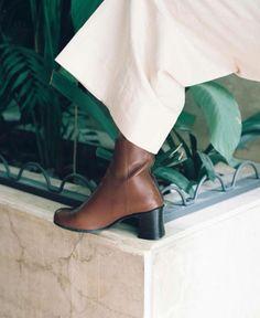 About Arianne/アバウト・アリアンヌ MILOS Brown バックジップアンクルブーツ - SIAMESE/サイアミーズ ファッション通販セレクトショップ #AboutArianne #アバウトアリアンヌ #スペイン #spain #shoes #シューズ #ブランド #インポート #バックジップ #アンクルブーツ #ブーティ #ブーツ #ブラウン #ブラック #brown #black #ウェッジソール #AmericanApparel #アメリカンアパレル #VOGUE #ヴォーグ #Barbie #バービー #コラボ #雑誌掲載 #model #モデル #ootd #outfit #outfitoftheday #コーデ #コーディネート