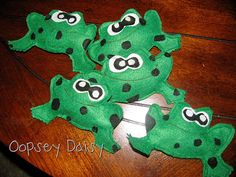 Fun way to sing Five green and Speckled Frogs with your toddler.